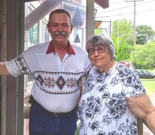 senior-services-wichita-ks-in-home-respite-care-gallery-image1
