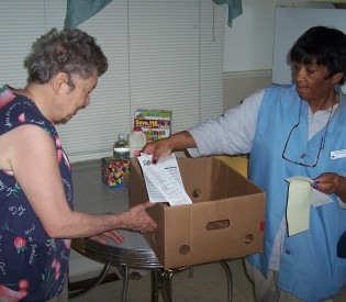 senior-services-wichita-ks-roving-pantry-gallery-image3